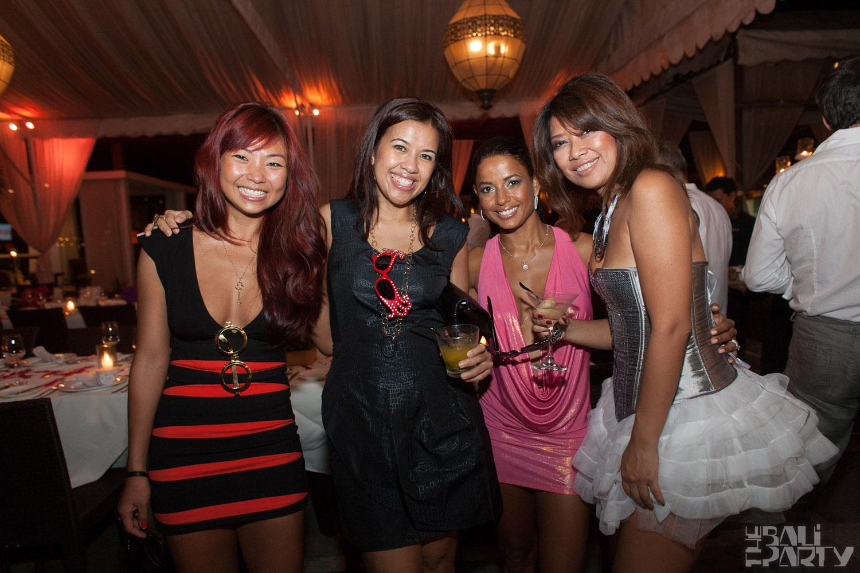 Birthday Party at Hu'u Bar 2011-09-24_010