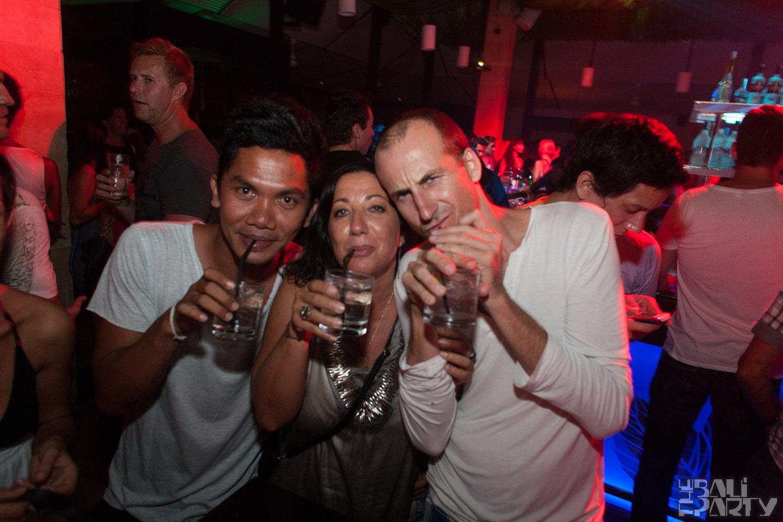 Layo&Bushwacka at Mint 11-11-04_024