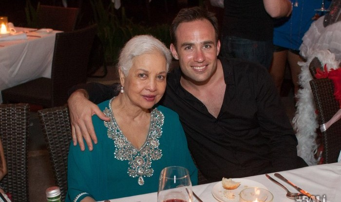 Birthday Party at Hu'u Bar 2011-09-24_039
