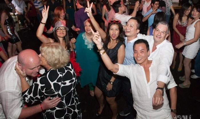 Birthday Party at Hu'u Bar 2011-09-24_093