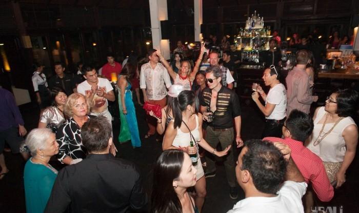 Birthday Party at Hu'u Bar 2011-09-24_096