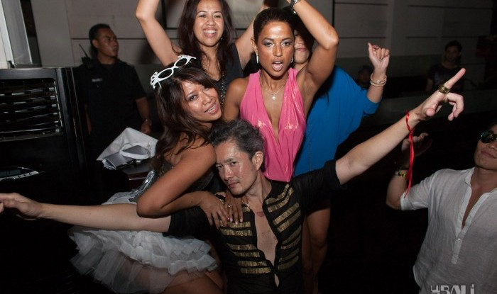 Birthday Party at Hu'u Bar 2011-09-24_116