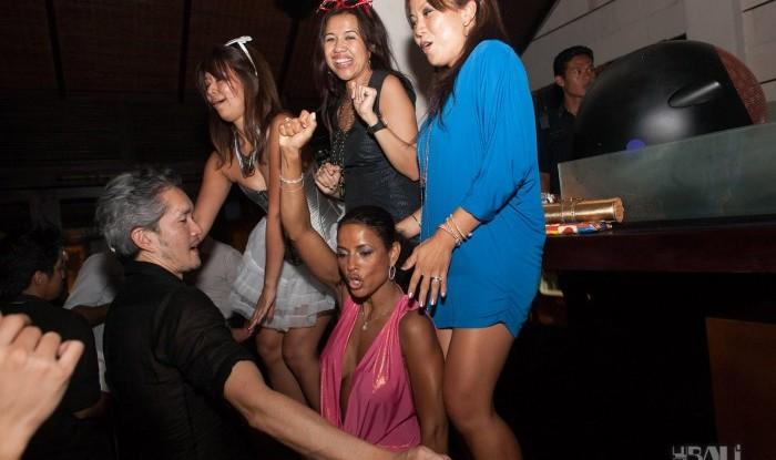 Birthday Party at Hu'u Bar 2011-09-24_118