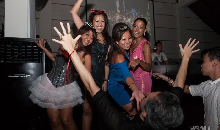 Birthday Party at Hu'u Bar 2011-09-24_119