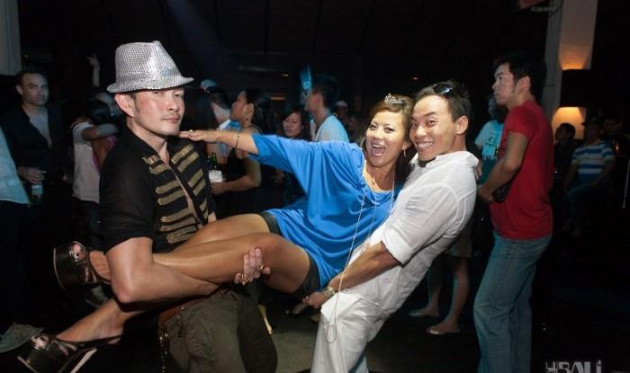 Birthday Party at Hu'u Bar 2011-09-24_128