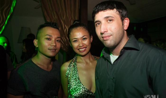 Layo&Bushwacka at Mint 11-11-04_054