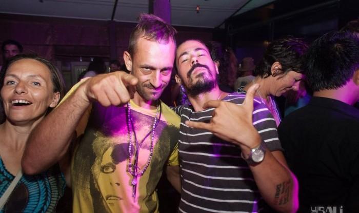 Layo&Bushwacka at Mint 11-11-04_093