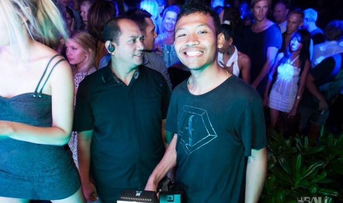 086_W Bali Opening 2011-07-02