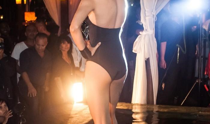 026_Fashion TV Blue Glue Bikini Fashion Show @Hu'u Bar 2011-08-12