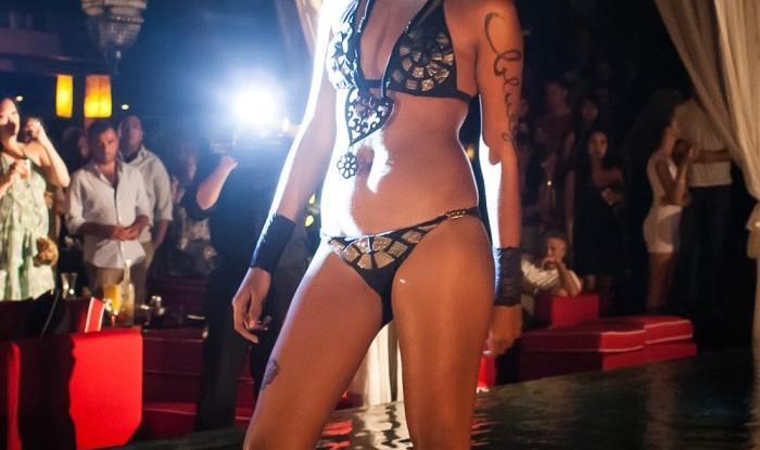 028_Fashion TV Blue Glue Bikini Fashion Show @Hu'u Bar 2011-08-12