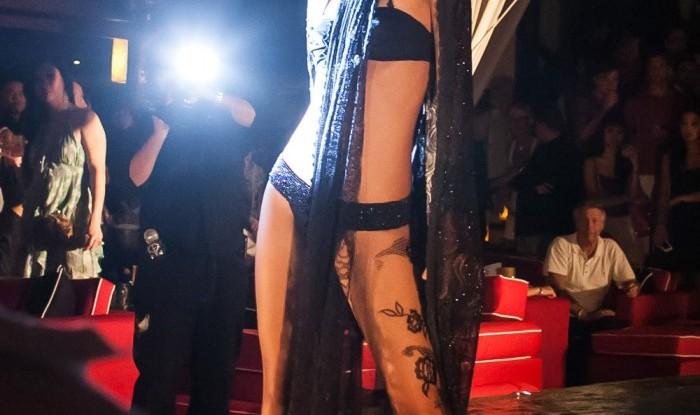 030_Fashion TV Blue Glue Bikini Fashion Show @Hu'u Bar 2011-08-12