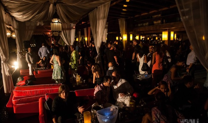 041_Fashion TV Blue Glue Bikini Fashion Show @Hu'u Bar 2011-08-12
