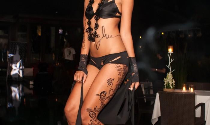 060_Fashion TV Blue Glue Bikini Fashion Show @Hu'u Bar 2011-08-12